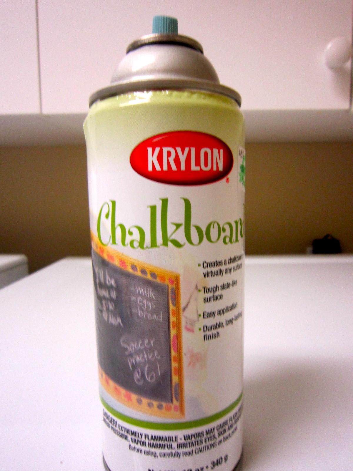 d i y beverage bottles with chalk board labels melina 39 s. Black Bedroom Furniture Sets. Home Design Ideas